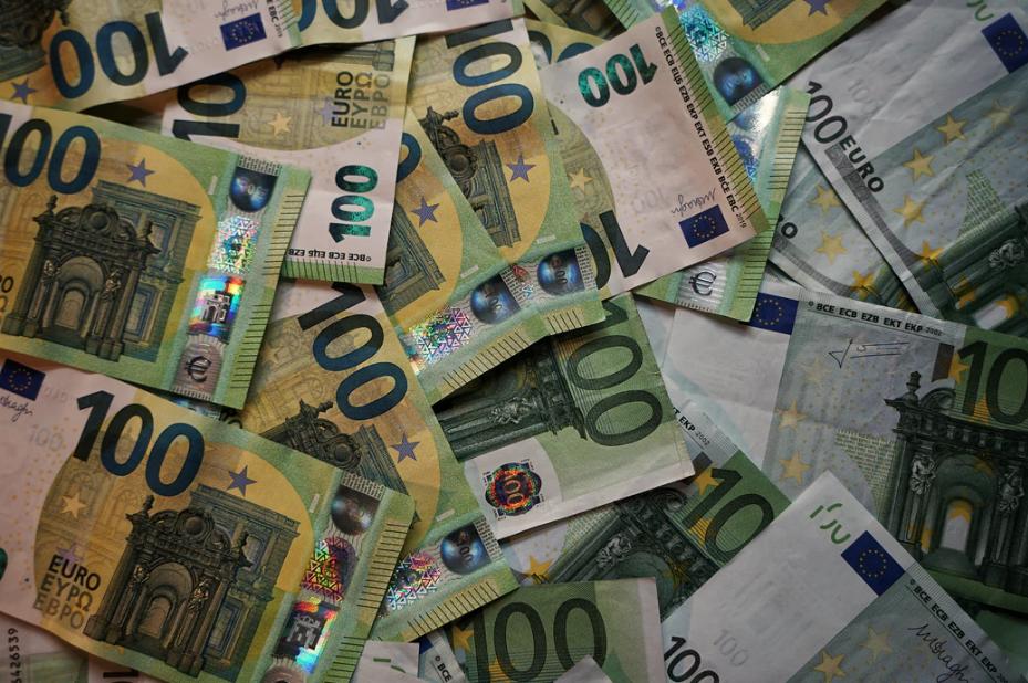 Money making strategy of jerry jones